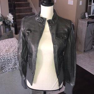 Jackets & Blazers - Boutique esley bomber type jacket
